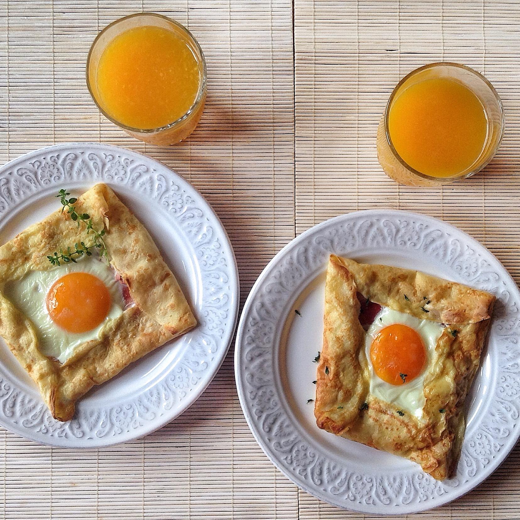 creps con jamón y huevos